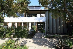 Neutra-VDL-house-silver-lake-architecture-EASTSIDE-LA-LIFESTYLE