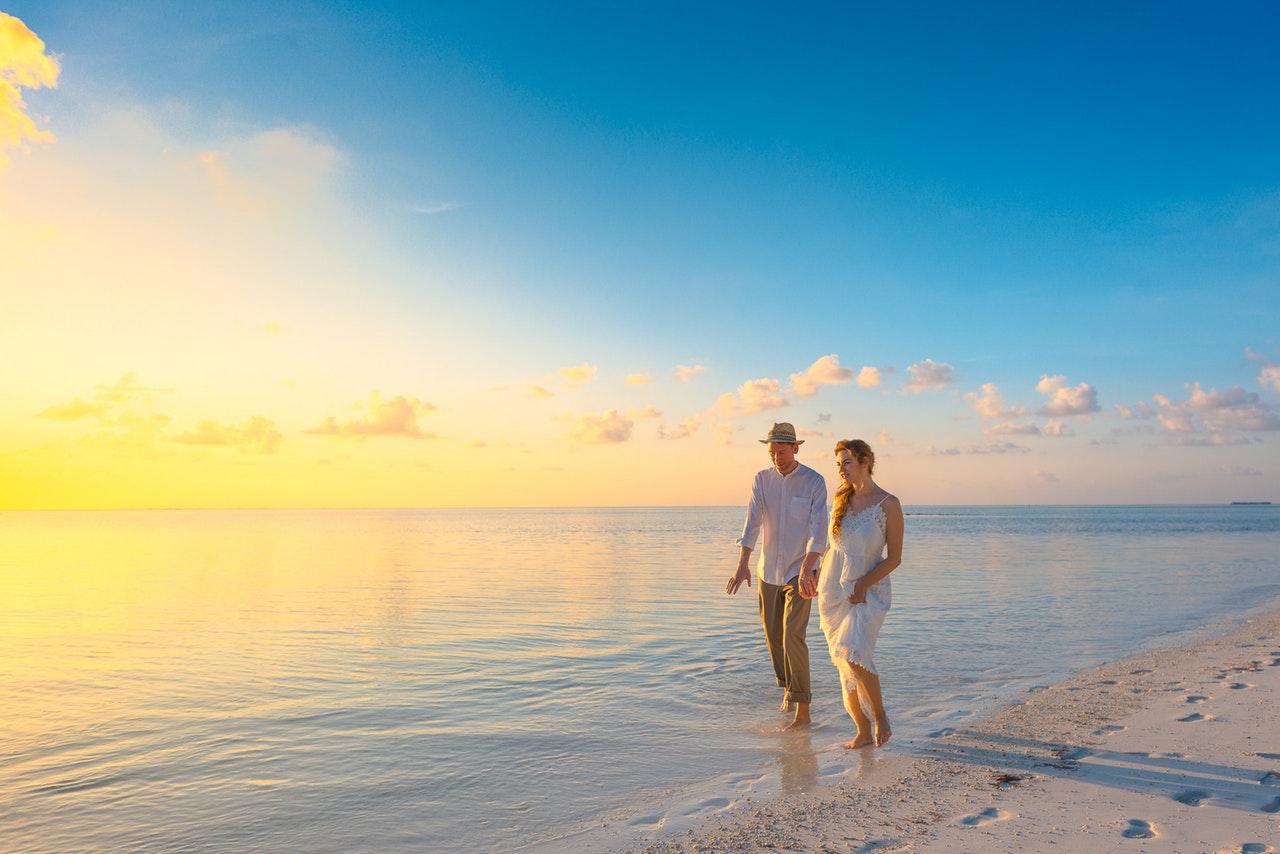 5 Tips for Stress-Free Honeymoon Planning