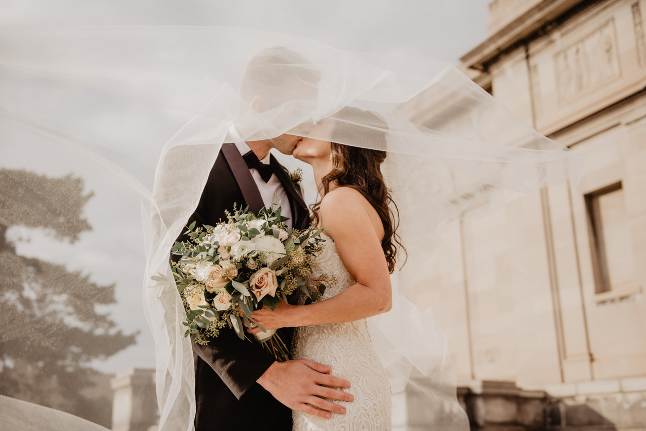 5 Ways to Keep Your Wedding Simple